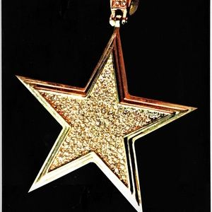 Star shaped pendant